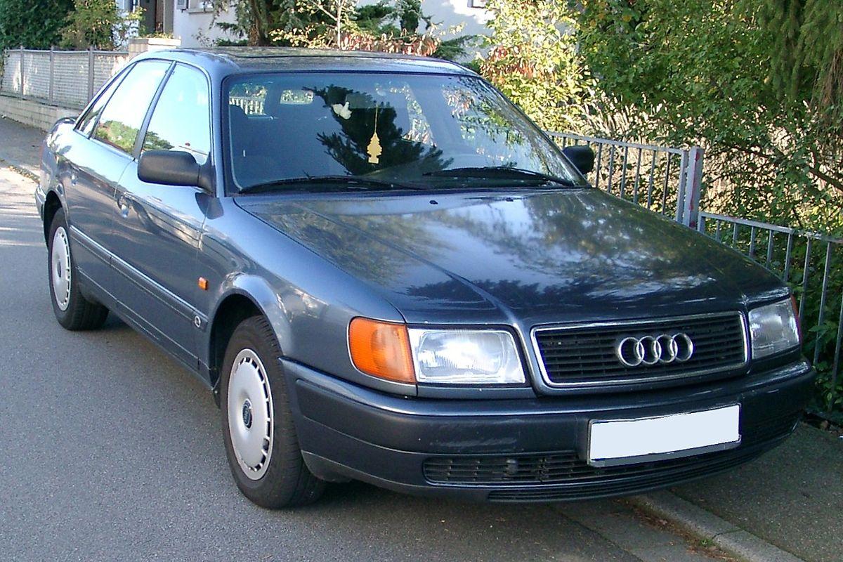 Один из первых представителей D-класса от Audi