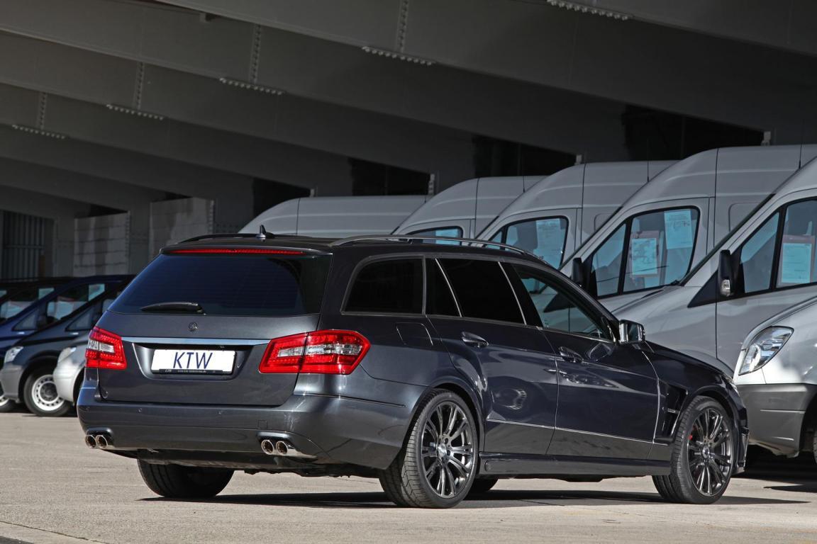 Mercedes Benz E-class в кузове универсал