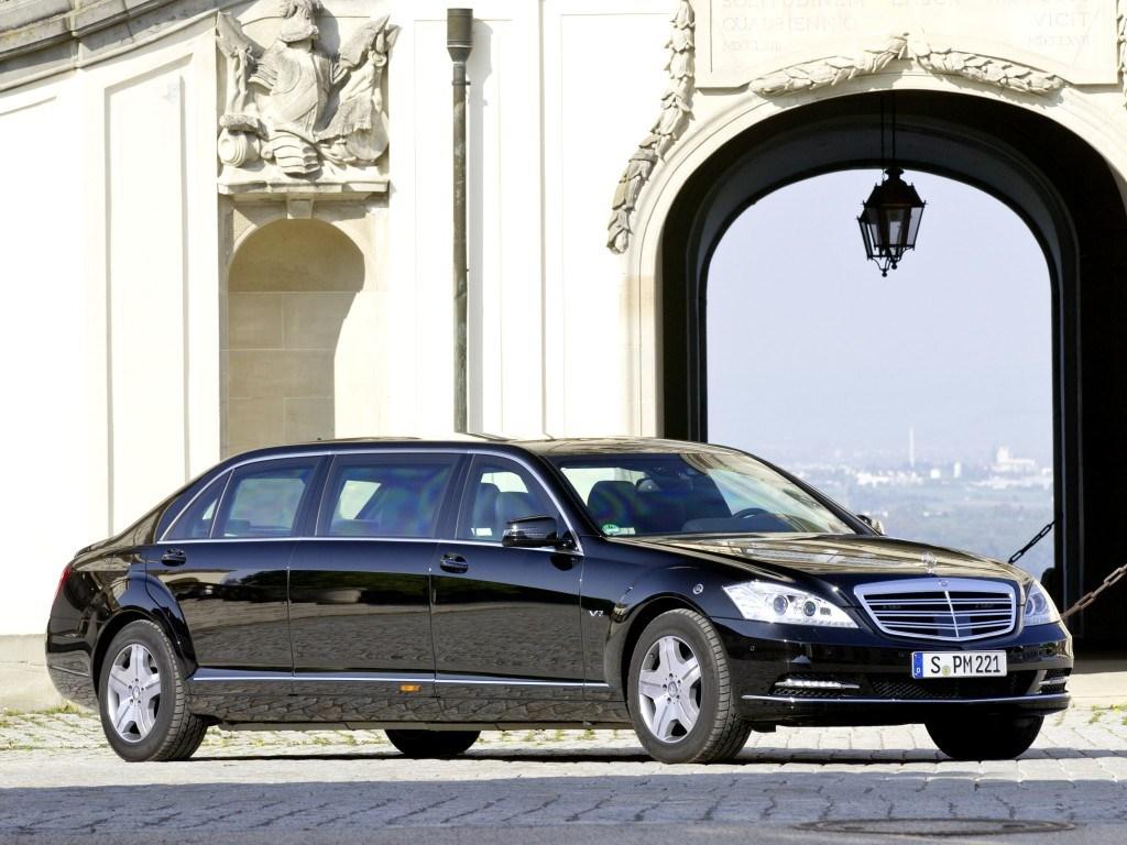 Когда речь заходит о шикарном лимузине, первое, что приходит на ум - Mercedes S-class