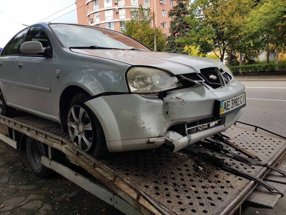 Chevrolet Lacetti занесло в столб на Гагарина