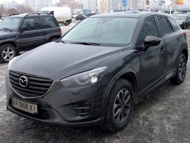 В Дарницком районе Киева был угнан автомобиль Mazda CX-5