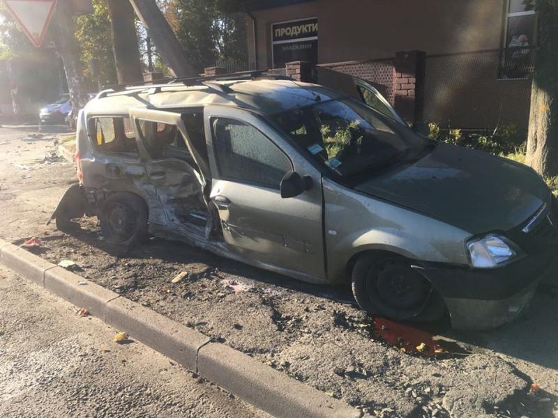 Автомобиль потерпевшего после столкновения