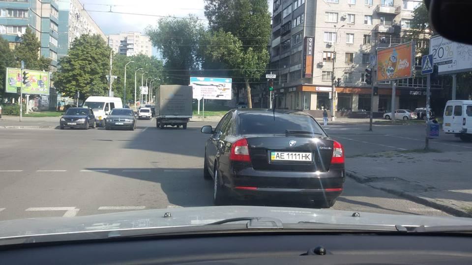 Skoda Octavia с номером АЕ 1111 НК