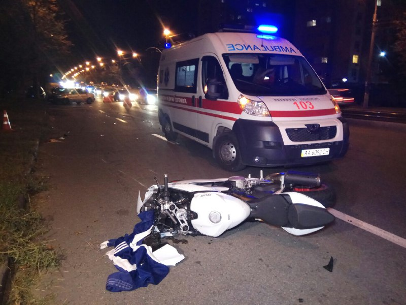 На проспекте Комарова произошло ДТП