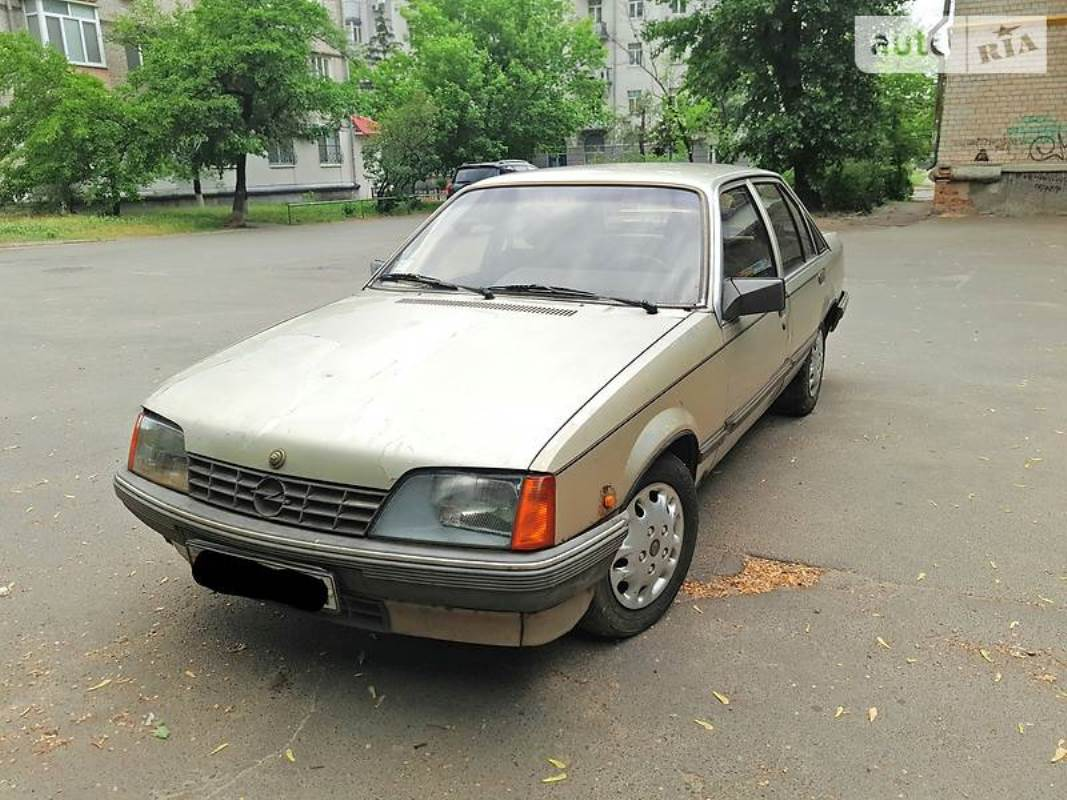 Opel Rekord E 1986