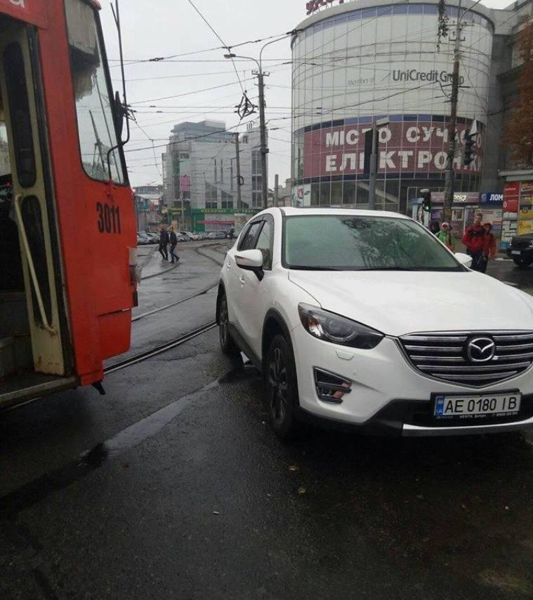 Mazda CX 5с номером АЕ 0180 ІВ