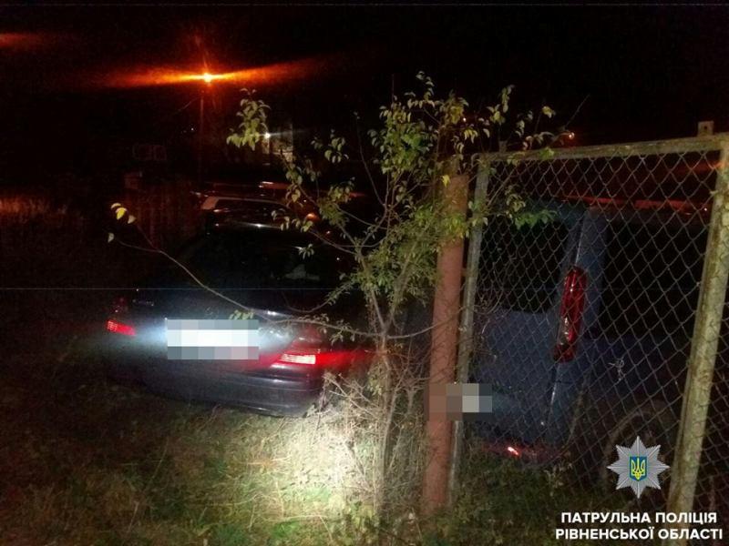 Пьяный водитель Mercedes-Benz не справился с управлением