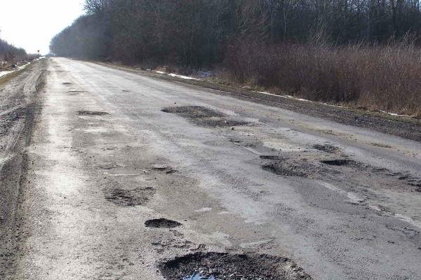 Одна из причин ужасного состояния дорог в Украине это недофинансирование