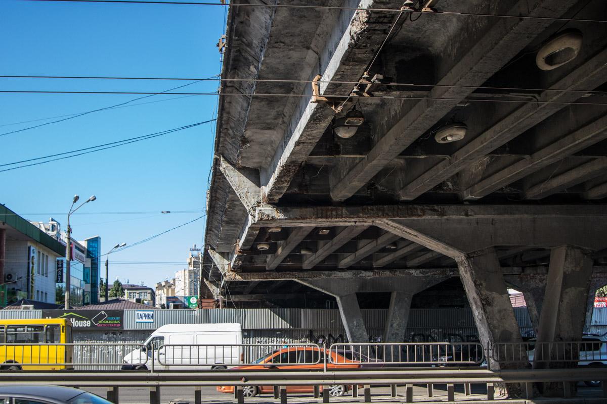 На Шулявский мост планировалось выделить 292 миллиона.