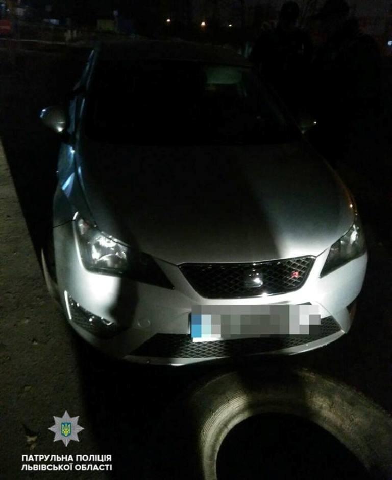 Женщина-водитель Seat Ibiza, пребывая в наркотическом опьянении, пыталась скрыться от полиции
