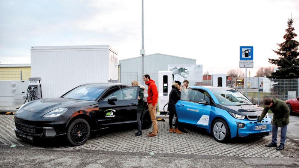 Fast Charge от BMW и Porsche