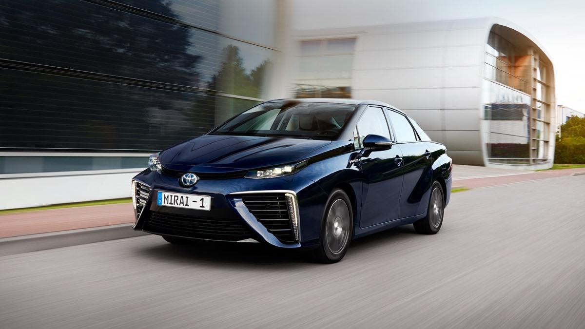 Toyota Mirai с водородным двигателем