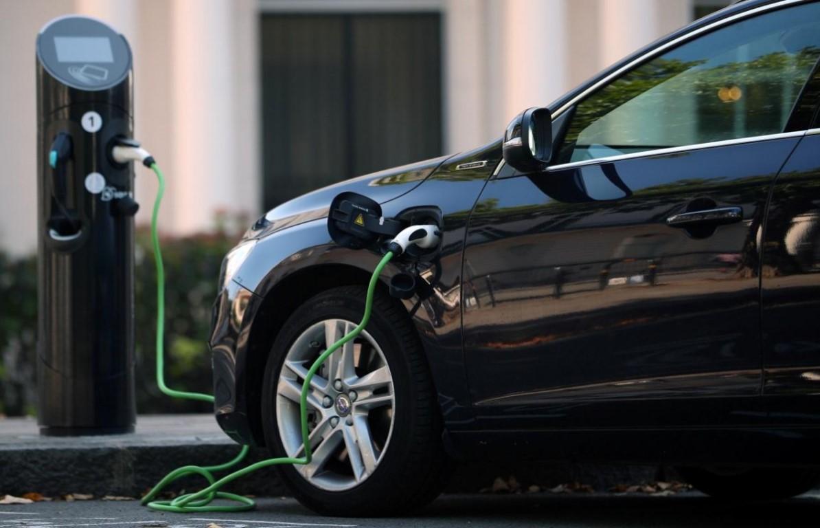 Электрокары в 2019 будут покупать еще активнее