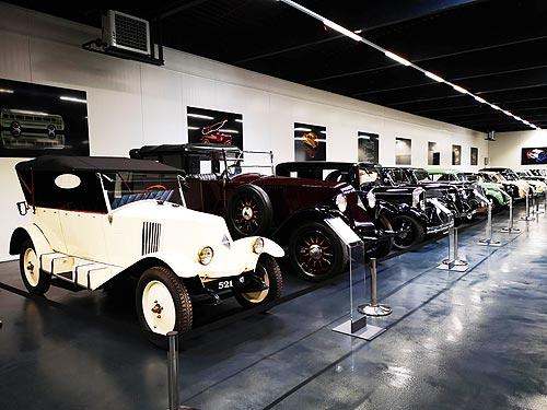 Культовые модели знаменитого автопроизводителя собраны в одном месте