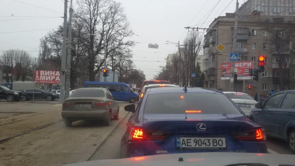 Движение по тротуару обойдется водителя в 425 гривен