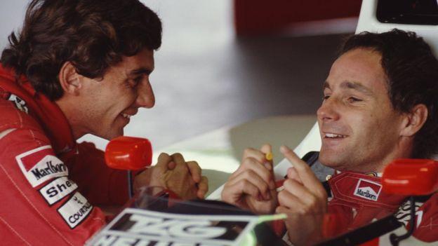 Справа - Герхард Бергер, слева - Айртон Сенна. Гонщики были близкими друзьями