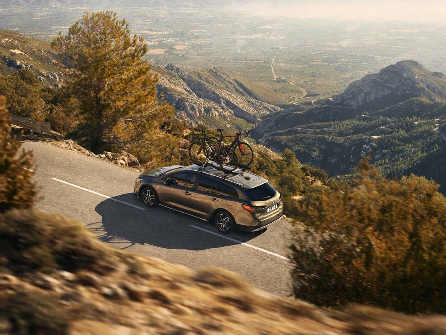Версия Toyota Corolla Trek - это универсал, у которого на 20 мм увеличен дорожный просвет