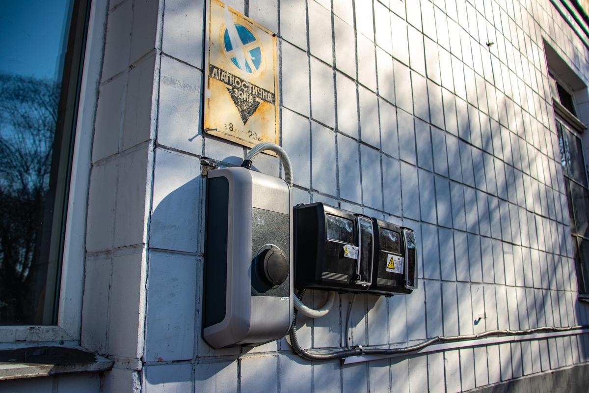 На всех площадках компании имеются зарядные станции Strum