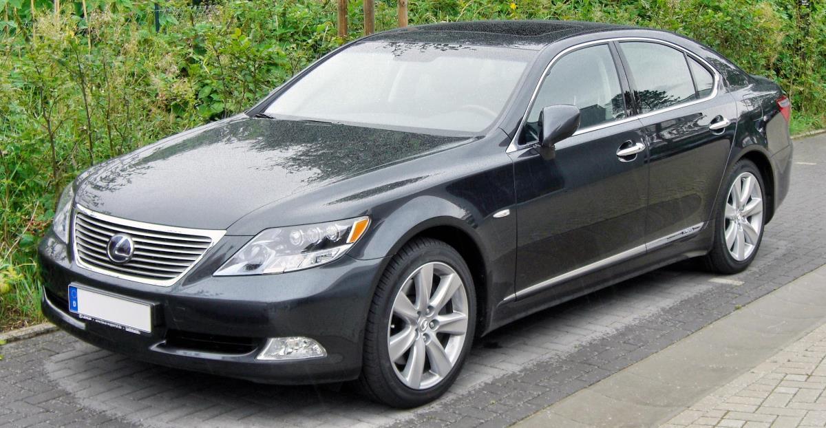 Lexus LS 600H L (2008)