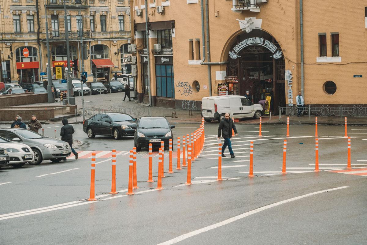 Теперь там не стоят автомобили и не мешают проезду транспорта