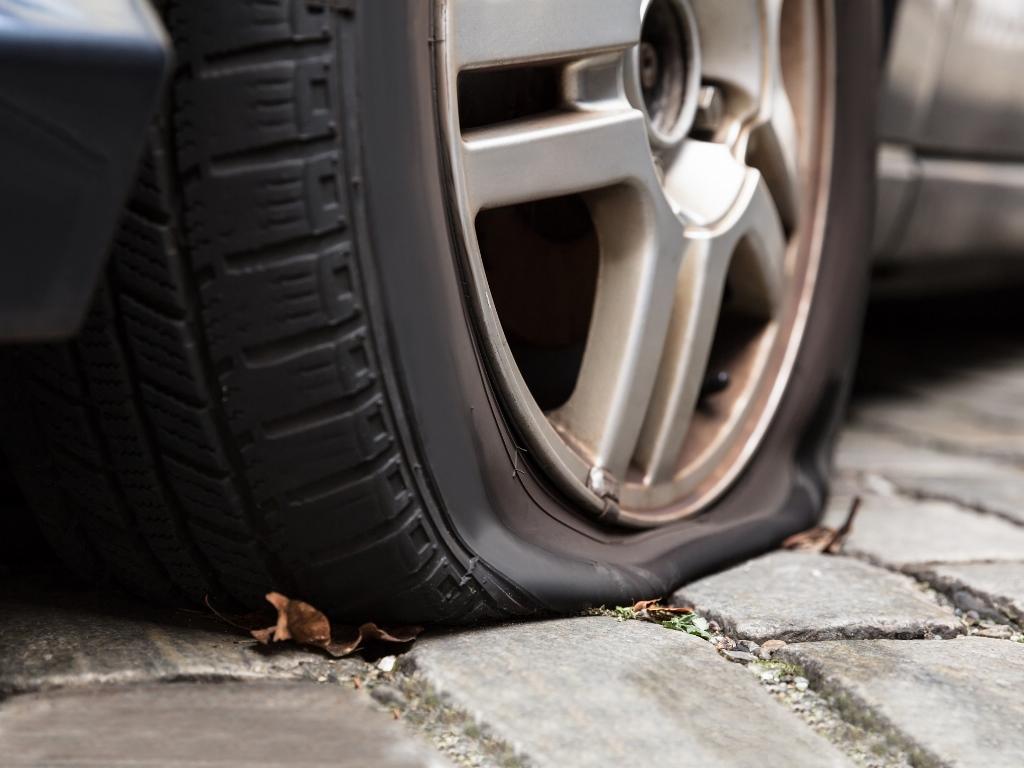 У владельцев автомобилей от этих компаний появится возможность вызвать экстренную службу помощи, если на дороге вдруг случилась беда.