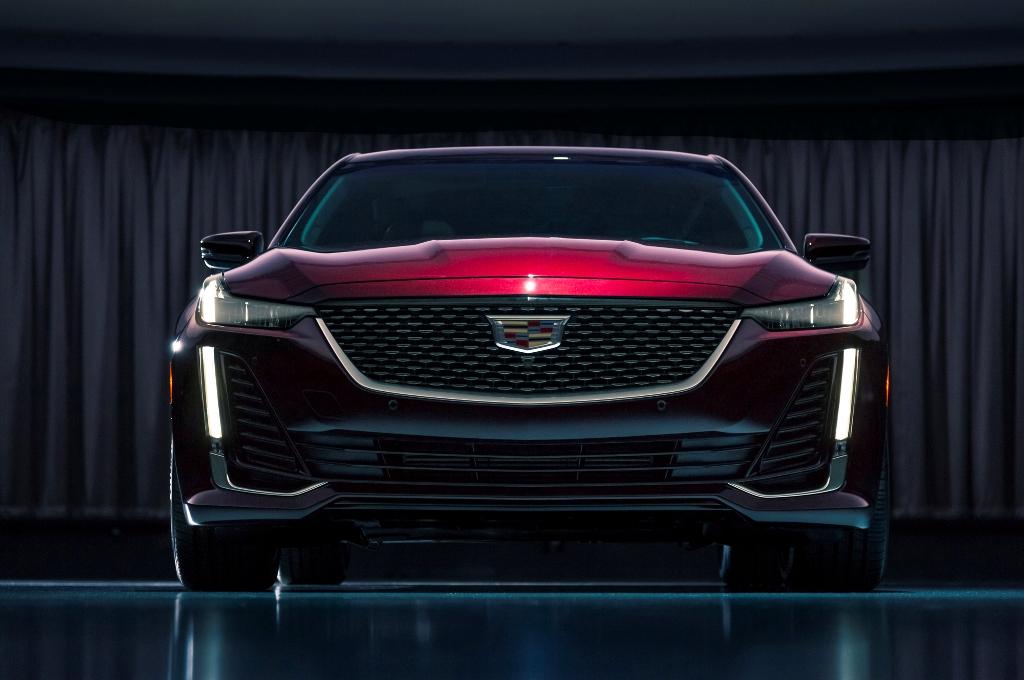Cadillac CT5 дебютирует на мотор-шоу в Нью-Йорке