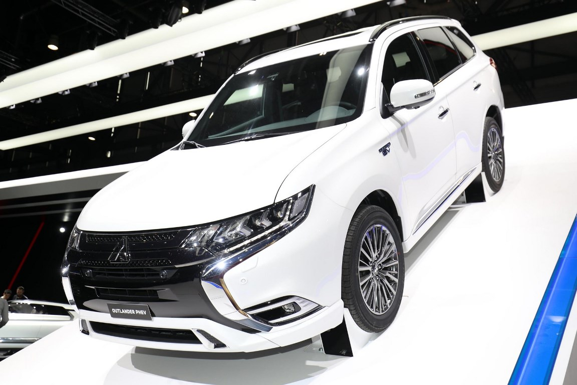 Mitsubishi Outlander PHEV практически не изменился