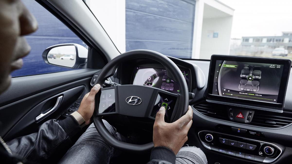 Сенсорный руль от компании Hyundai