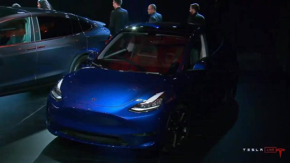Tesla Y явили миру 15 марта