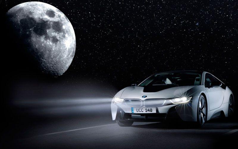 BMW і8 способна заряжаться от лунного света