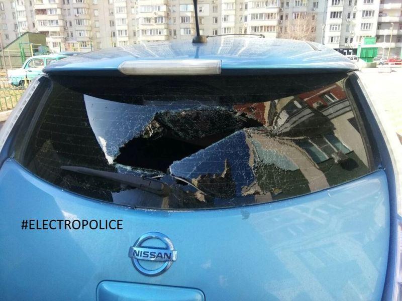 В Киеве полиции удалось задержать первого вора электромобильных зарядок.