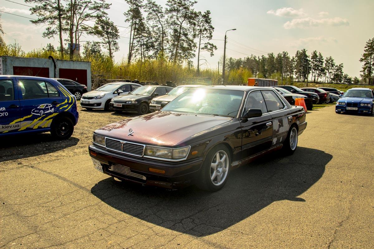 Праворульный Lexus