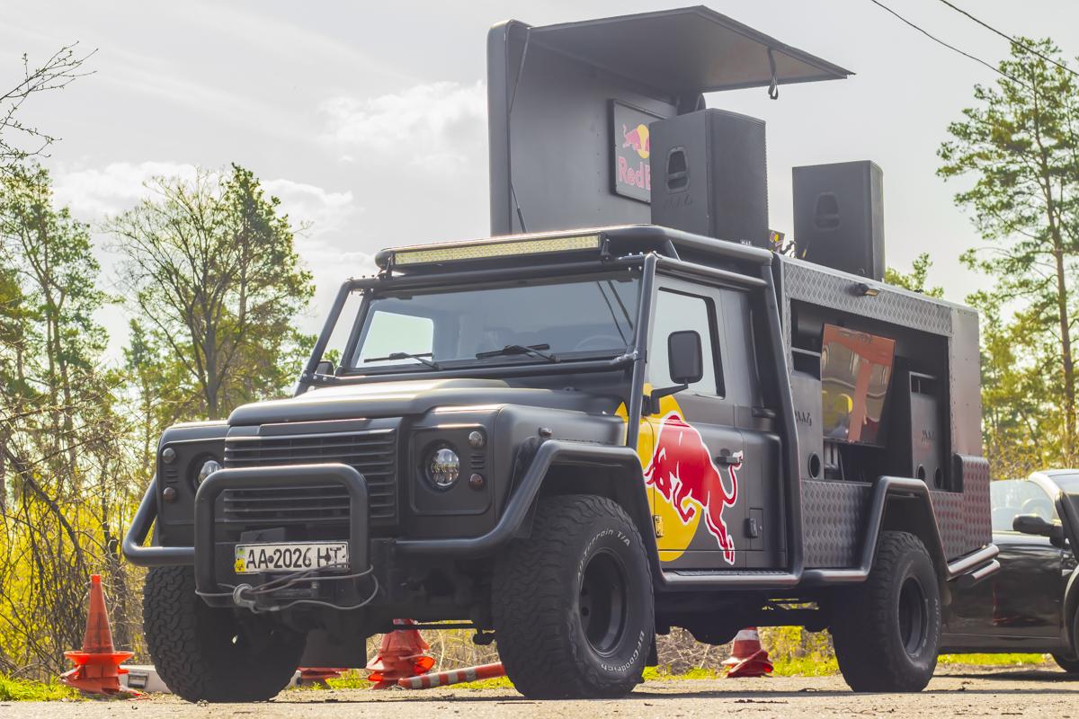 Когда Land Rover ходит под Red Bull