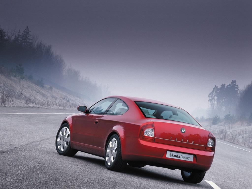 Автомобиль был представлен в 2002 году