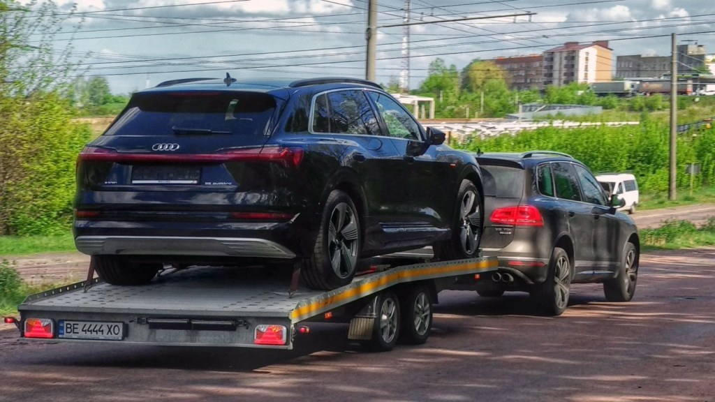 Три украинских автомобилиста стали владельцами Audi e-tron