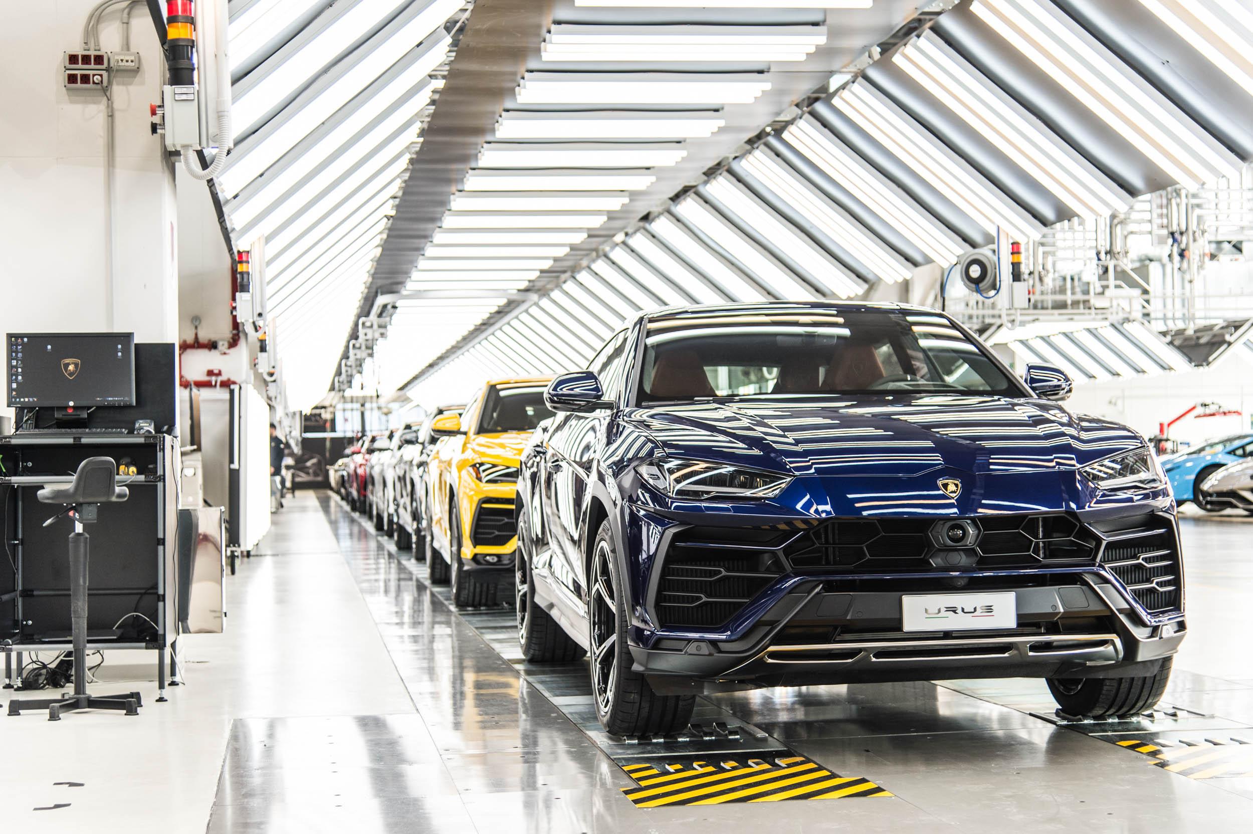 Lamborghini Urus производится уже почти год