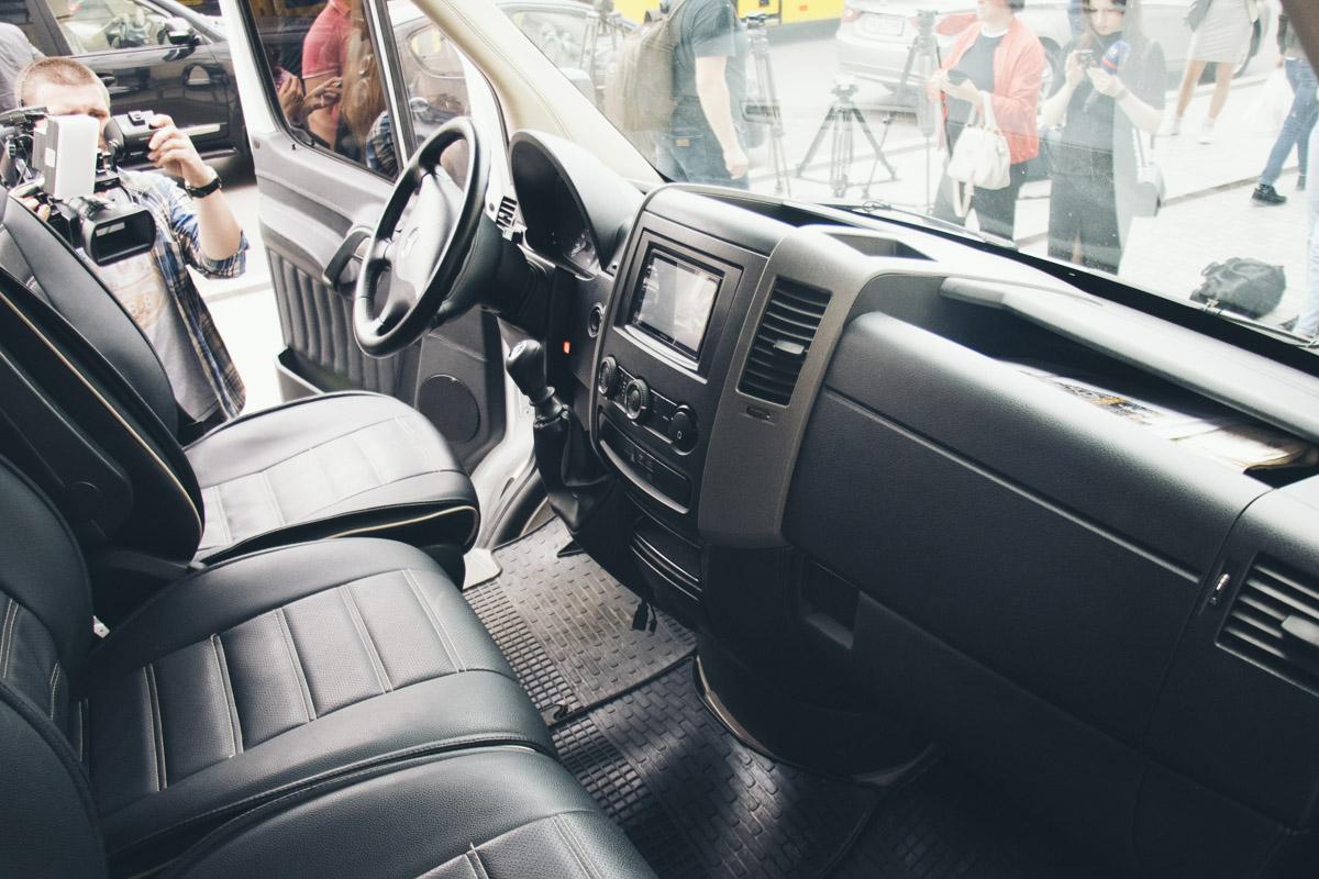 Uber Shuttle представили на базе Mercedes-Benz Sprinter