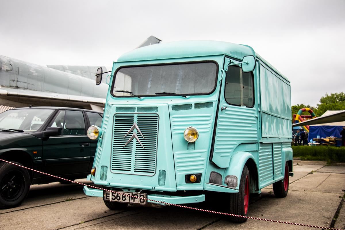 Вот такой французский грузовичок