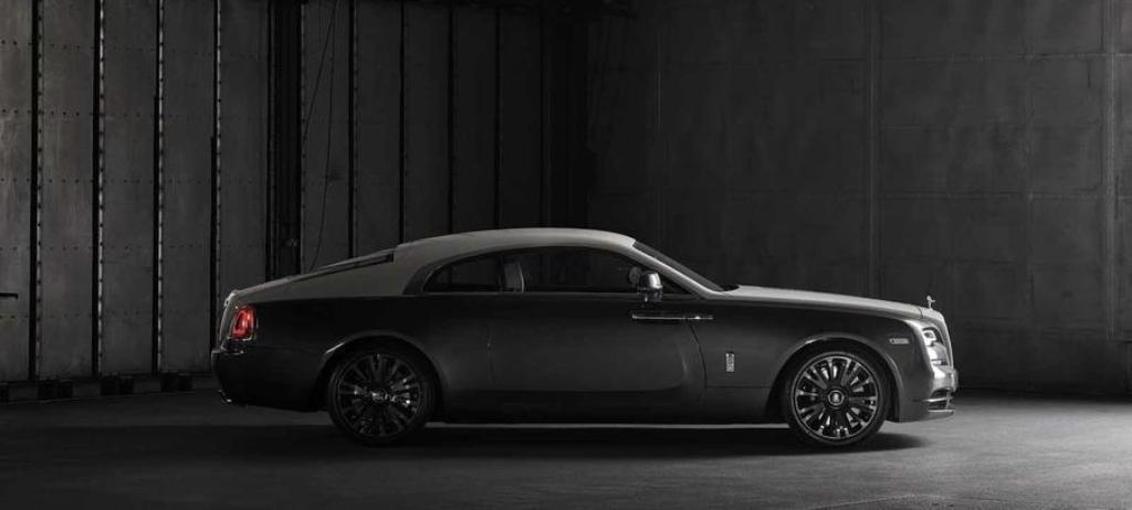 Rolls-Royce Wraith Eagle VIII получил эксклюзивную двухцветную окраску в серо-черных тонах