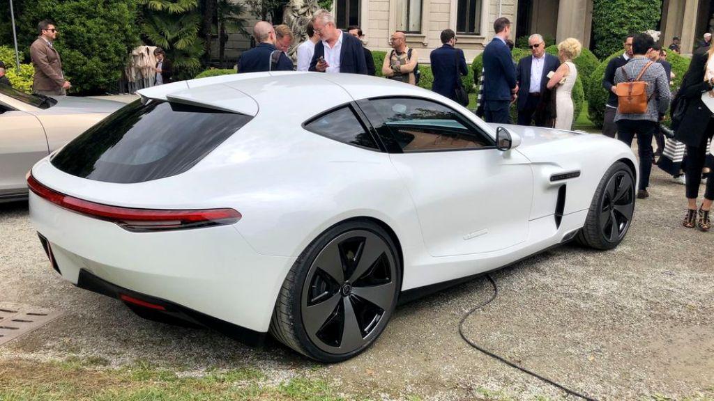 Спортивное купе получило гибридную установку с тремя электромоторами и шестицилиндровым двигателем