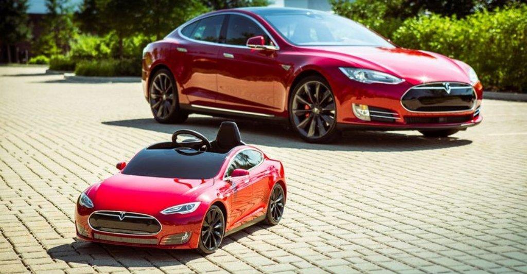 Mини Tesla Model S