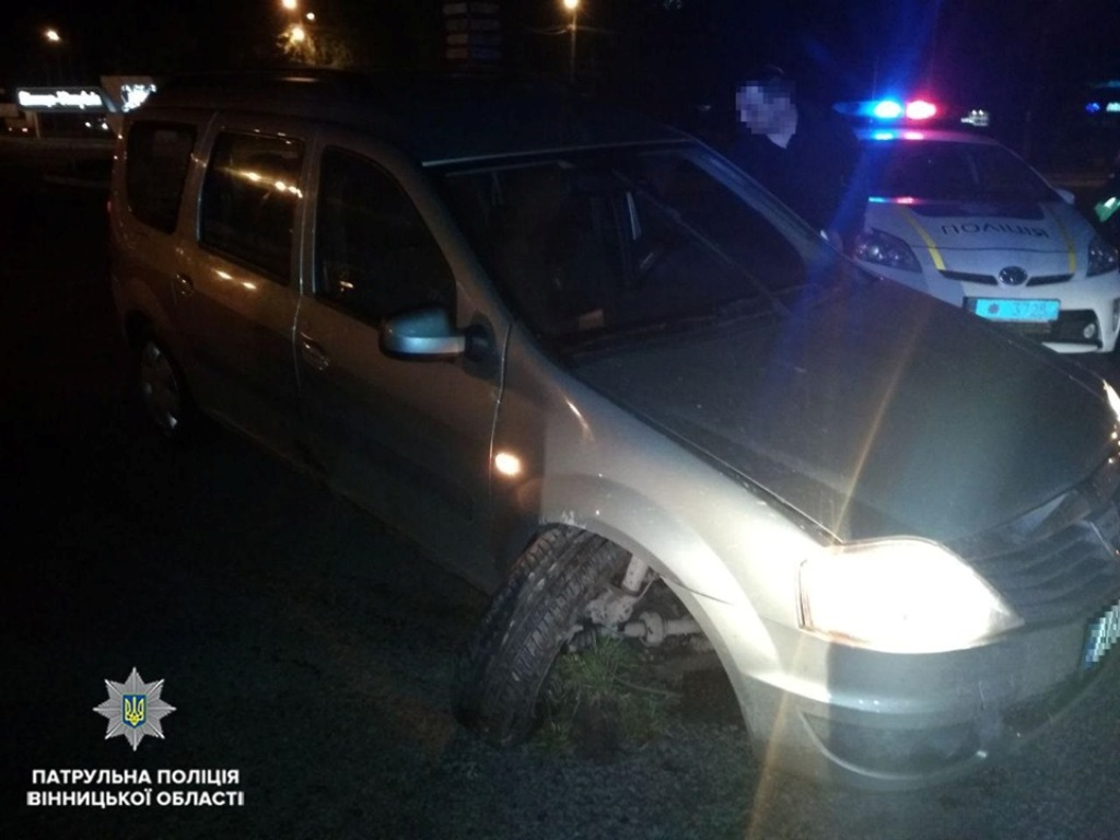 За рулем Dacia Logan находился 16-летний юноша у которого не было водительского удостоверения, но были признаки алкогольного опьянения
