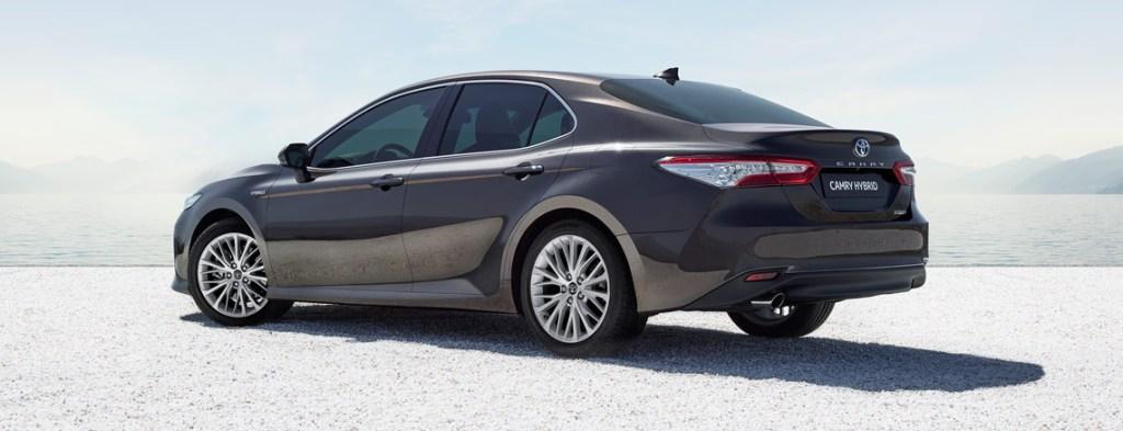 Toyota Camry Hybrid будет поставляться в комплектации Premium 4