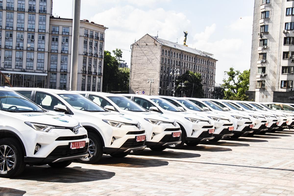 В их распоряжение поступили 40 кроссоверов Toyota RAV4