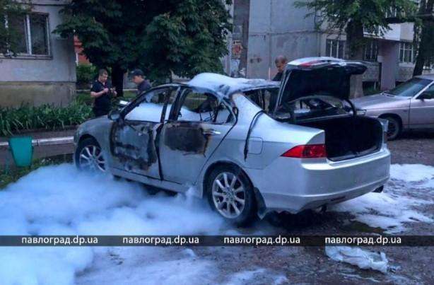 Автомобиль взорвали ночью