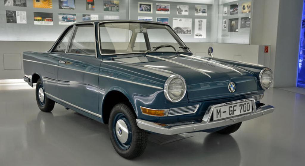 700 (1959)