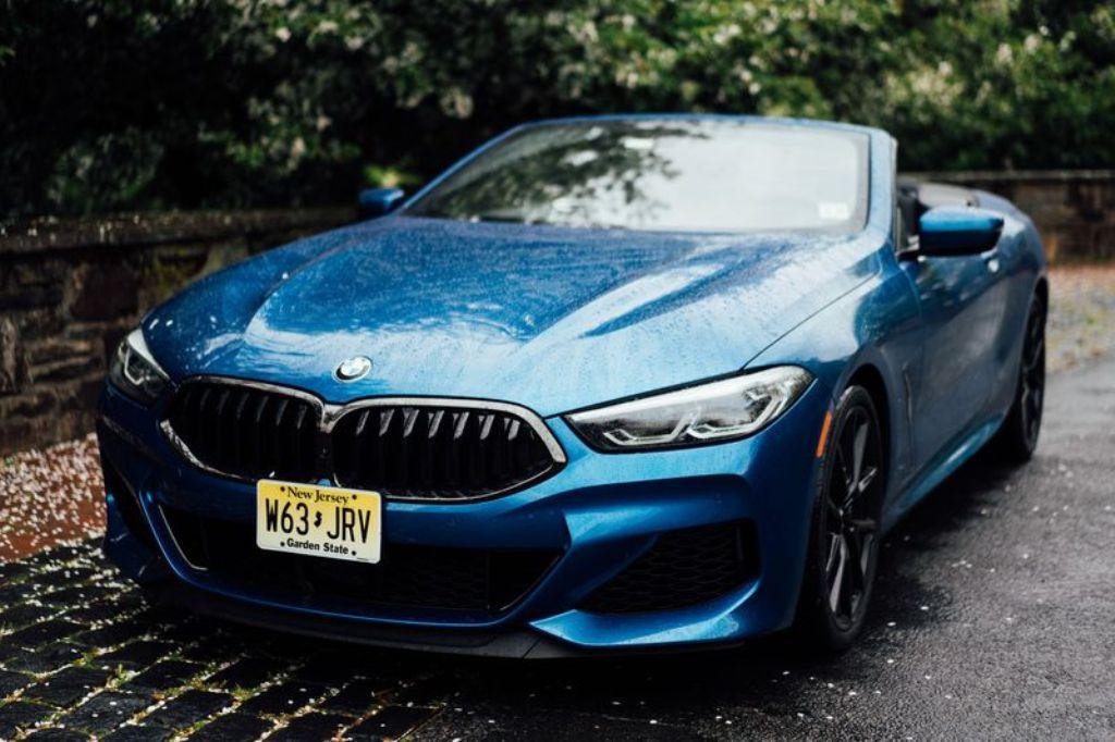 Кабриолет BMW M850i 2019 года