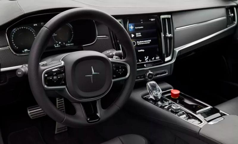 Руль, приборная панель и сенсорный дисплей позаимствованы у концепта Volvo