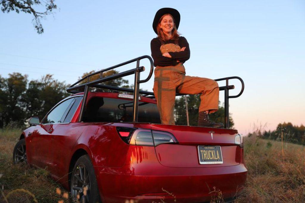 Симона Герц превратила Tesla Model 3 в пикап