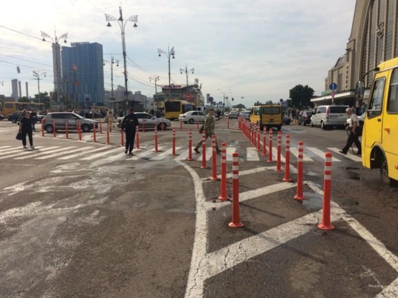 Делиниаторы позволят упорядочить движение и обезопасить пешеходов
